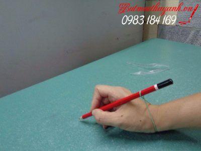 cách cầm bút