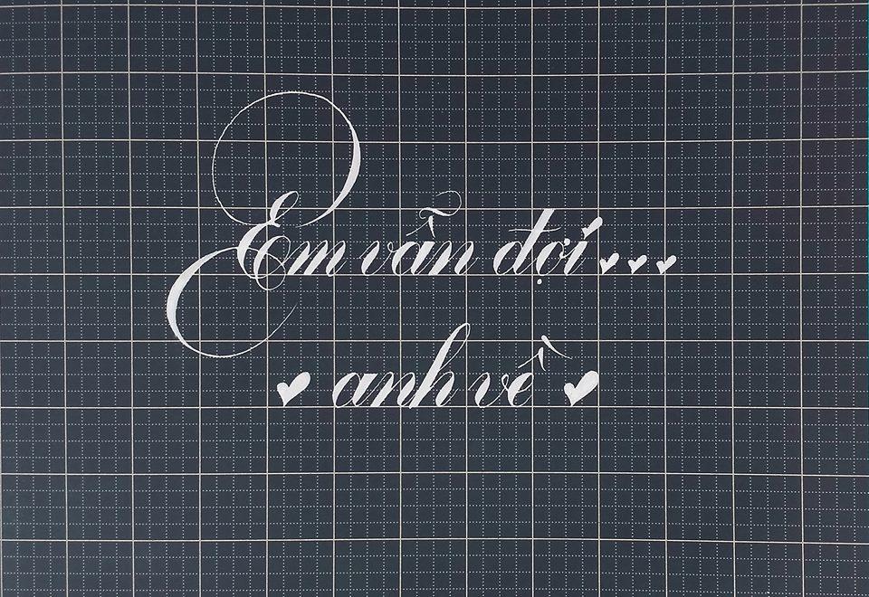 chu nghe thuat 8 - Mẫu chữ cách điệu, chữ hoa sáng tạo, chữ nghệ thuật trong luyện chữ đẹp