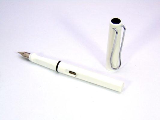 but tap viet 7 533x400 - Bút tập viết - Bút luyện chữ cho học sinh lớp 1