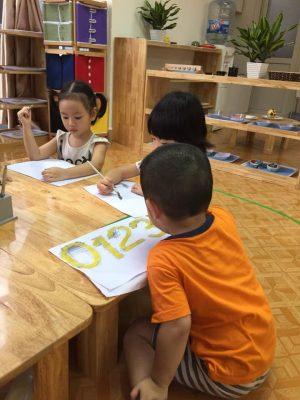 day be hoc toan 1 300x400 - Dạy bé học toán cực đơn giản và hiệu quả để chuẩn bị vào lớp 1