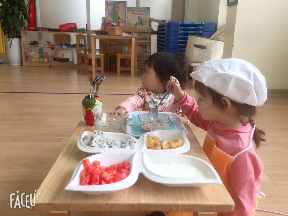 day nau an 7 - Lợi ích bất ngờ của việc dạy nấu ăn cho trẻ