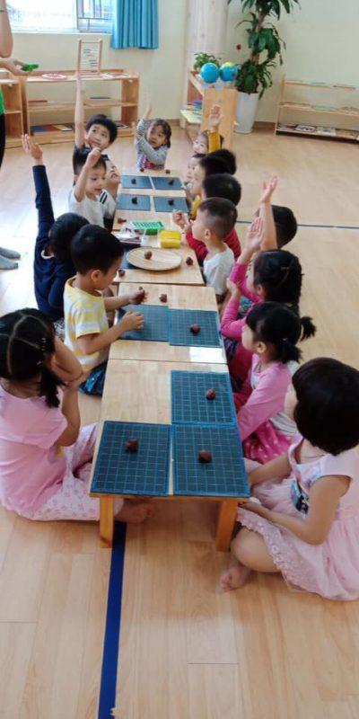 nan dat set 5 400x800 - Những lợi ích bất ngờ khi bố mẹ dạy bé nặn đất sét