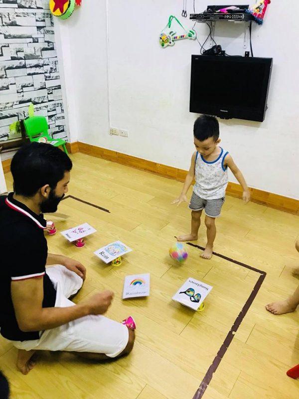 tieng anh tre em 1 600x800 - Bố mẹ dạy trẻ học tiếng Anh  thật dễ dàng