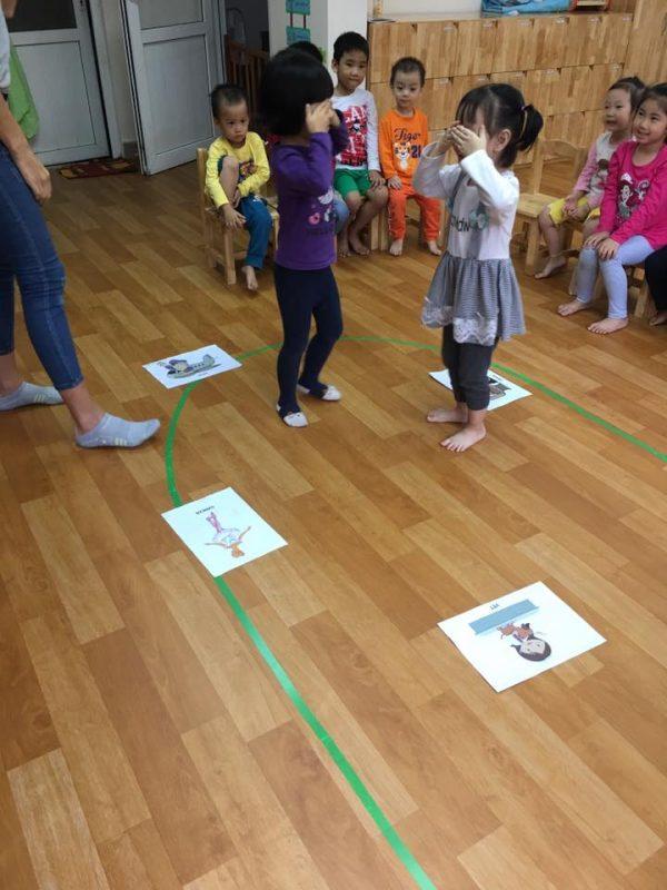 tieng anh tre em 5 600x800 - Phương pháp dạy tiếng anh trẻ em giúp đạt hiệu quả cao