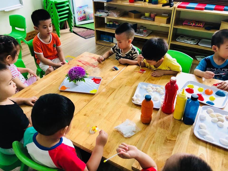 lop mau giao - Những lợi ích thật bất ngờ khi cho con đi học lớp mẫu giáo sớm